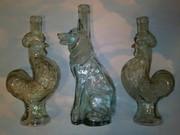 Продам 3 старые бутылки. Собака-волк  два петуха. Так же 3 коллекционные вазы